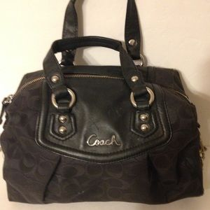 👛 COACH 👛 black Ashley signature bag